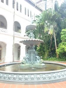 ラッフルズホテルの中庭